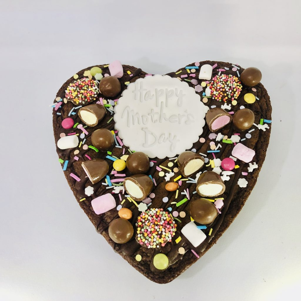 Clementine and Cocoa's Stunning Chocolate Brownie Heart! for Mother's Day